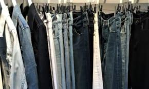 ユニクロの新作ジーンズが切り開く「ビジネスファッション」の未来