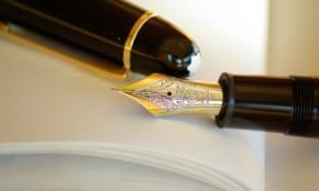 """万年筆のペン先の小さな穴の""""可愛すぎる""""名前を知っていますか?"""