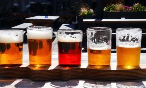夏の暑さはまだ続く…仕事終わりの「アルコール脱水症」を防ぐには?