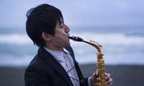 世界が注目する26歳サックス奏者が、学生に語った「音楽の可能性」