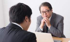 20代男子に聞く「老害上司の特徴ワースト10」自慢話、謝らない…