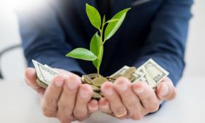 """「今の収入を増やすため」20代ができること。""""オススメできない""""投資は…"""
