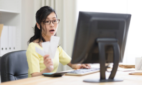 本業の勤務時間外でも解雇に…勤務先での副業トラブル事例3つ