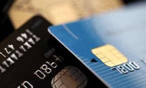クレジットカードは何枚持つのが正解?4枚と2枚の大きな違い