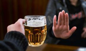 「もっと飲めよ〜」はアルコールハラスメント?会社の飲み会は要注意