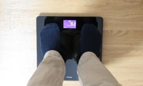 5000円以下の「スマート体重計」を使ってみた。スマホ連携、使用感は…