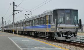 JR西日本、1億円かけて挑む新快速の「有料座席サービス」