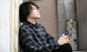 """""""3足のわらじ""""で活動する「日本一都市伝説に詳しい」音楽家の来た道"""