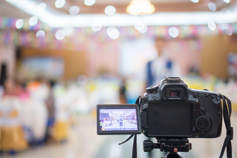 カメラ メディア