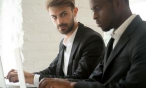 吉本興業も…「ファミリー」と言う経営者は何を考えているか?