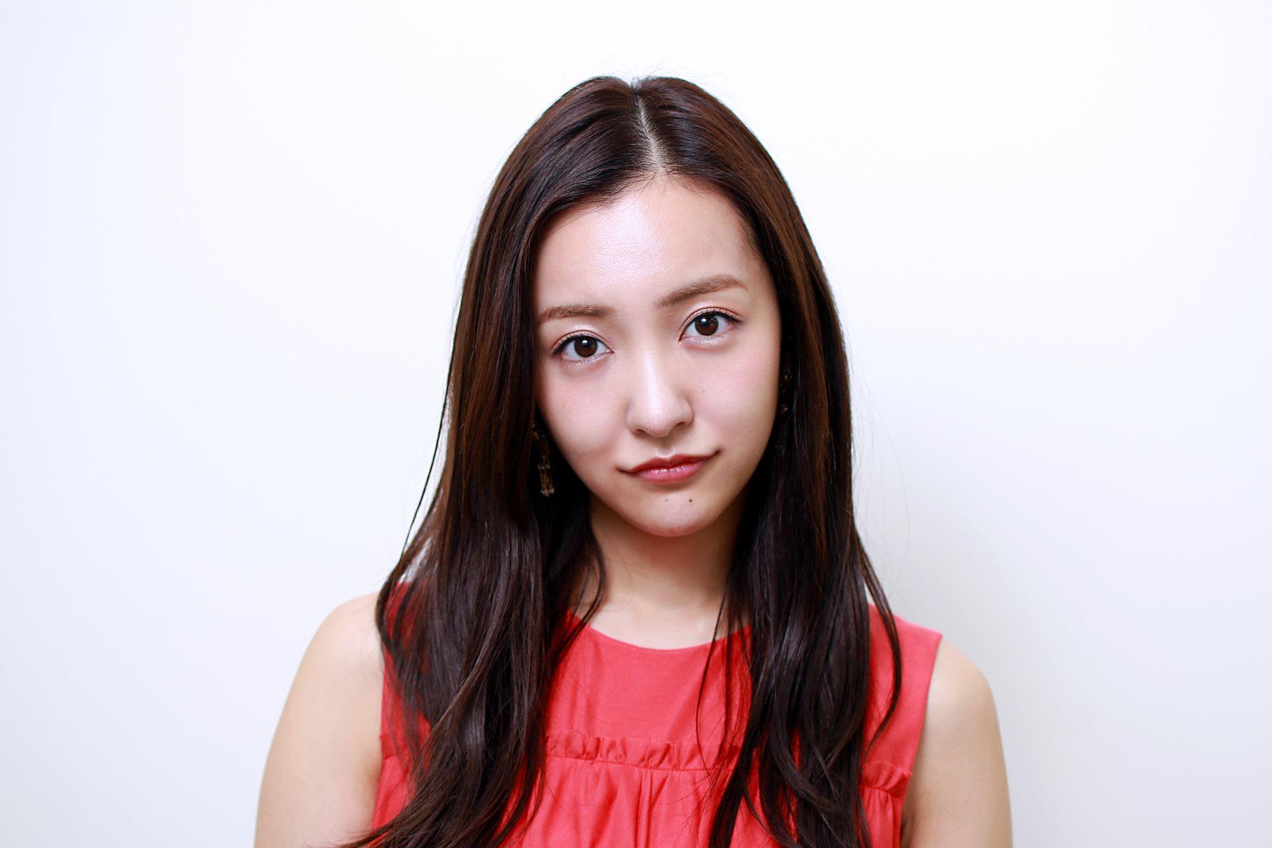 板野友美さん