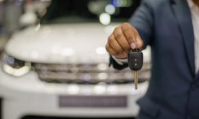 世帯年収1000万円・20代夫婦が「車が欲しいと思わない」理由