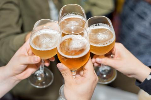 ビール 飲酒