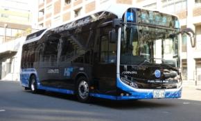 市営バスのニューフェイス。燃料電池を使った「FCバス」の乗り心地は?