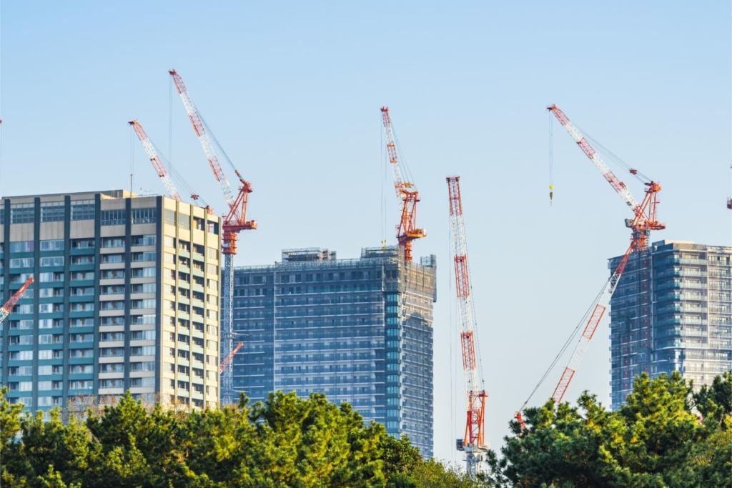 高層ビル建築中