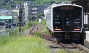 非電化区間にも進出「JR九州」蓄電池電車・DENCHAの乗り心地は?