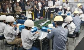 マツダの東京モーターショー展示が渋すぎる!子供向け「金型磨き職人」体験とは?