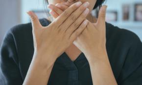 口臭、体臭…スメハラ予防アイテム4選。自分では気づかないニオイに!