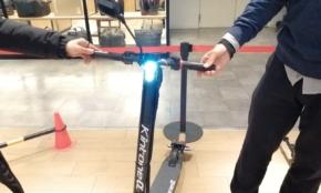 自転車移動のイライラを解消?最新「電動キックボード」に乗ったら驚いた