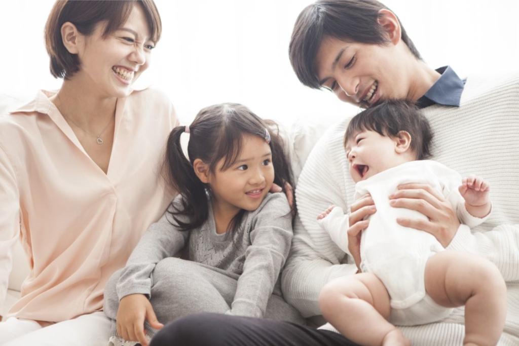 幸せな家族像