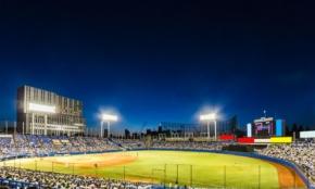 新型コロナ対応、プロ野球とJリーグで違いが…。試合は延期すべきか?