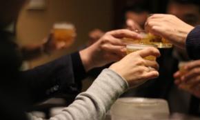 """「お酒は好きだけど""""会社の飲み会""""は嫌」20代社員の真っ当な主張"""