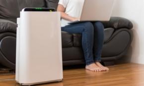 花粉症シーズン「空気清浄機」を部屋の床に置いてはいけない理由