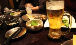 2次会でも食べすぎてしまう人が「飲み会当日」にできる対策