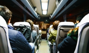 東京で就活する地方学生の悩み「交通費だけで20万円。宿泊費も」