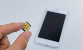 格安SIM、楽天モバイルとUQモバイル。乗り換えるならどっちが正解?