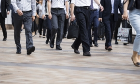 菅内閣で「働き方」はどう変わるか。正社員の特権は減っていく