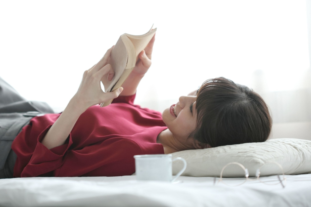 美女 読書