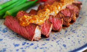 """格安ステーキ肉が""""帝国ホテル級""""に。やわらかく調理する裏ワザ"""