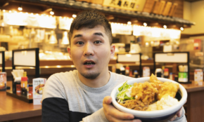 丸亀製麺、鶏天+牛肉の最強ボリューム。新メニューのウマさに悶絶