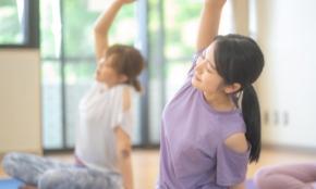 デスクワークに負けない強い体に。体幹を鍛える「ピラティス」2つに挑戦