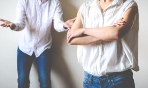 セクシービデオ出演がバレた26歳妻。夫に画面を突きつけられ…意外な結果に