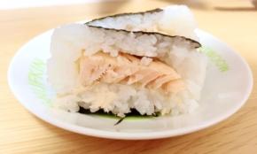 """コンビニ""""ぜいたく鮭おにぎり""""を実食比較。鮭好きに1番オススメしたいのは"""