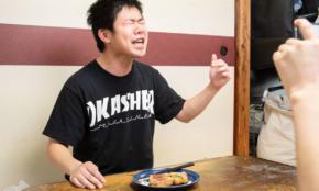 「港区家賃3万7千円男」で話題のピン芸人に密着。動画撮影でまさかの表情
