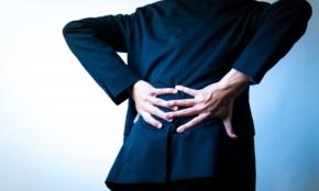 腰痛肩こりを防ぐ「イス」の選び方。クッションで調整する方法も