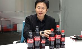 コカ・コーラの味は創業から同じ、でも「サイズ変更に踏み切った」深いわけ