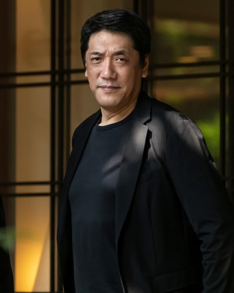 嶋尾康史さん