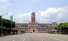 コロナ感染者が急増する台湾の対策は…コンビニ入店でも名前を登録