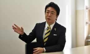 """""""独自コロナ政策""""で注目の福岡市長に直撃「なぜ日本は変化に対応できないのか」"""