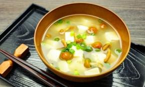 なぜ出汁の味が東西でちがう?関西と関東「食文化の常識」3選