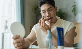 男も日焼け止めで肌老化を防げ。おススメ3選と、正しい塗り方