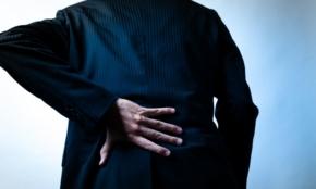 リモートワーク不調の原因は「疲れる座り方」に?専門家が教える、改善テクニック