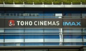 """「鬼滅」効果で利益予想を6割上回った東宝。映画業界で""""一人負け""""状態なのは"""