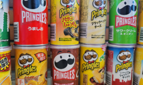 ポテチ「プリングルズ」の顔がリニューアル。実は明太子味やたこ焼き味もある!